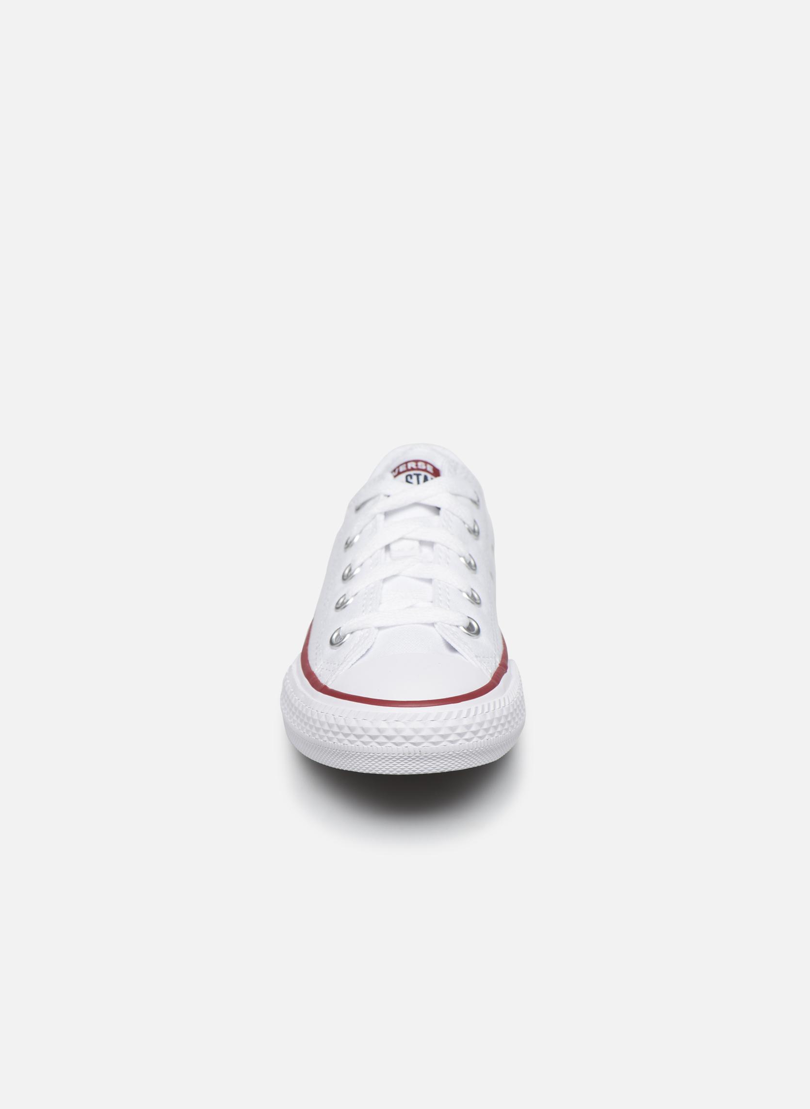 Sneakers Converse Chuck Taylor All Star Core Ox Bianco modello indossato