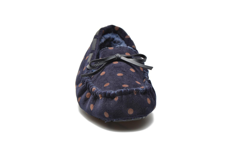 Pantofole Ruby Brown Mae Azzurro modello indossato