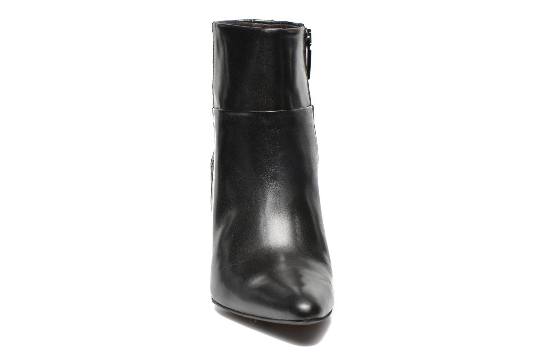Ankle boots Perlato Poobe Black model view