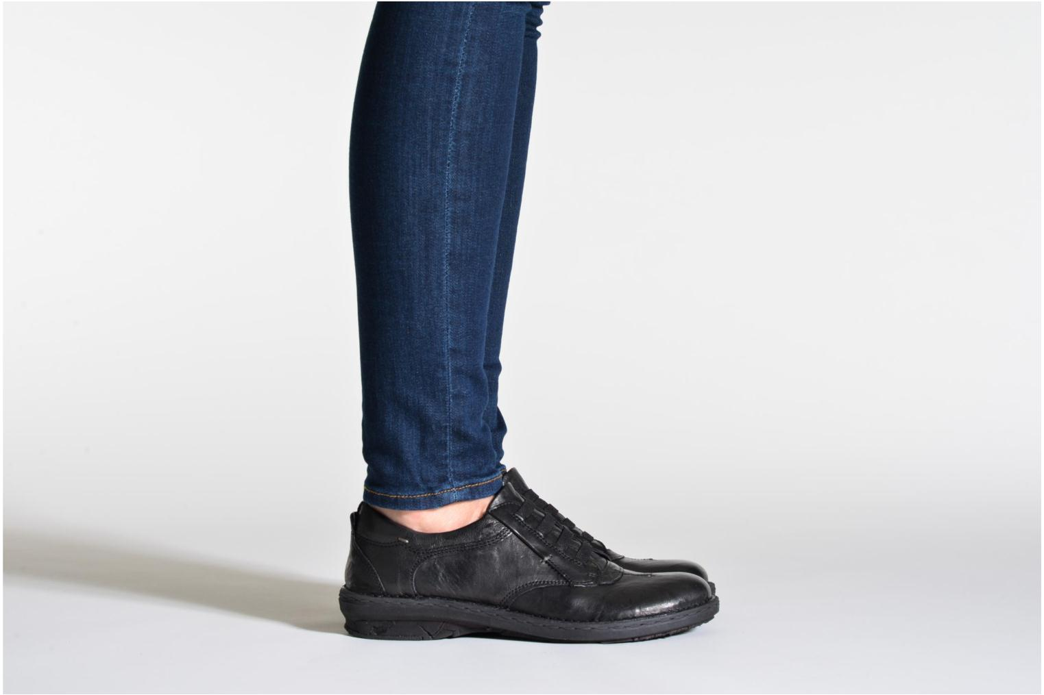 Lace-up shoes Khrio Malawi Black view from underneath / model view