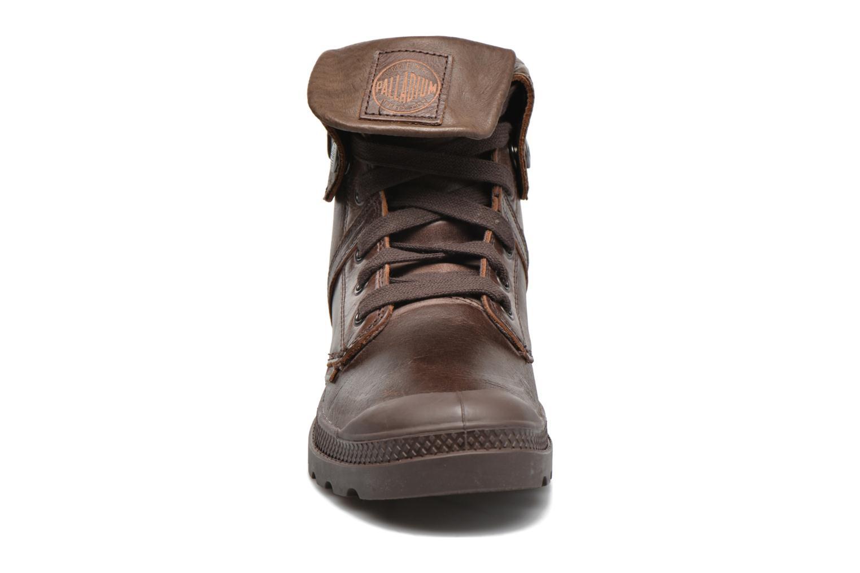 Baskets Palladium Pallabrousse Baggy L2 U W Marron vue portées chaussures