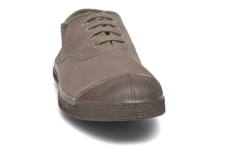 Sneakers Bensimon Tennis Lacets Vintage Velours M Brun bild av skorna på