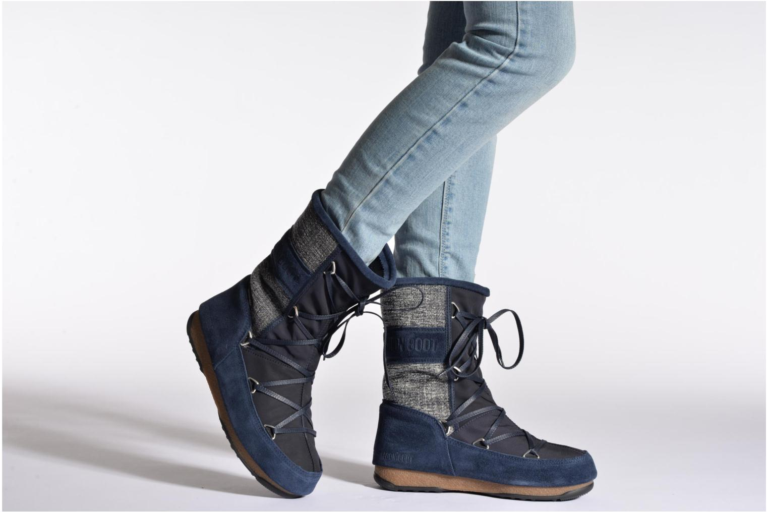 Sport shoes Moon Boot Vienna Mix Blue view from underneath / model view