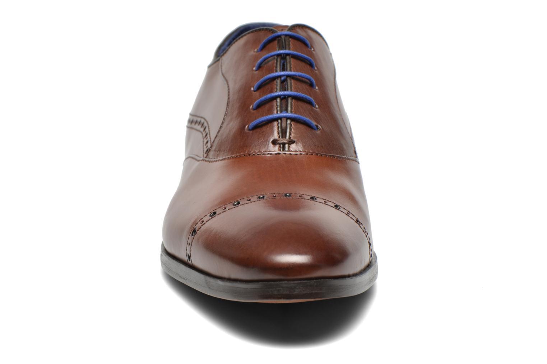 Scarpe con lacci Azzaro Depech Marrone modello indossato