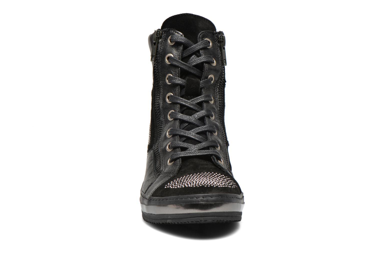 Sneaker Khrio Tanobe schwarz schuhe getragen