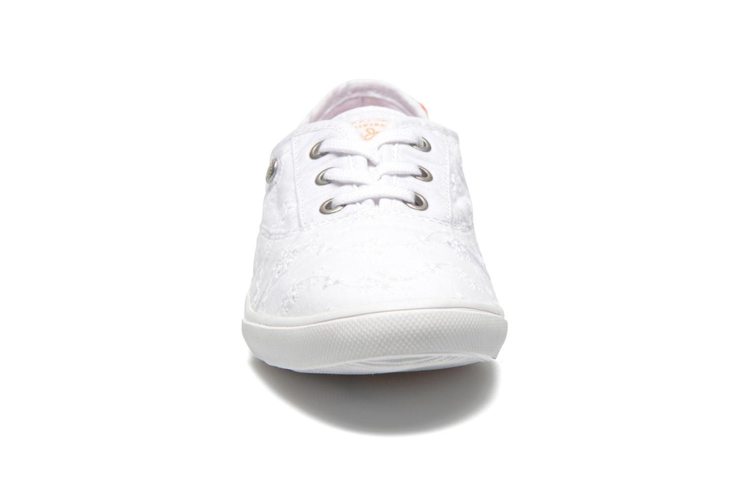 Baskets Pepe jeans Soho Embroidery Blanc vue portées chaussures