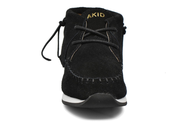 Sneaker Akid Stone schwarz schuhe getragen