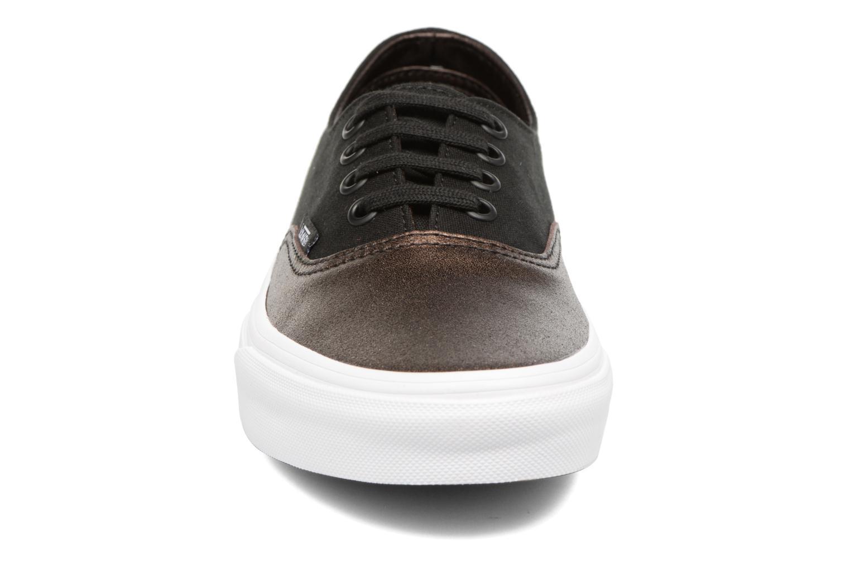 Baskets Vans Authentic Decon W Noir vue portées chaussures