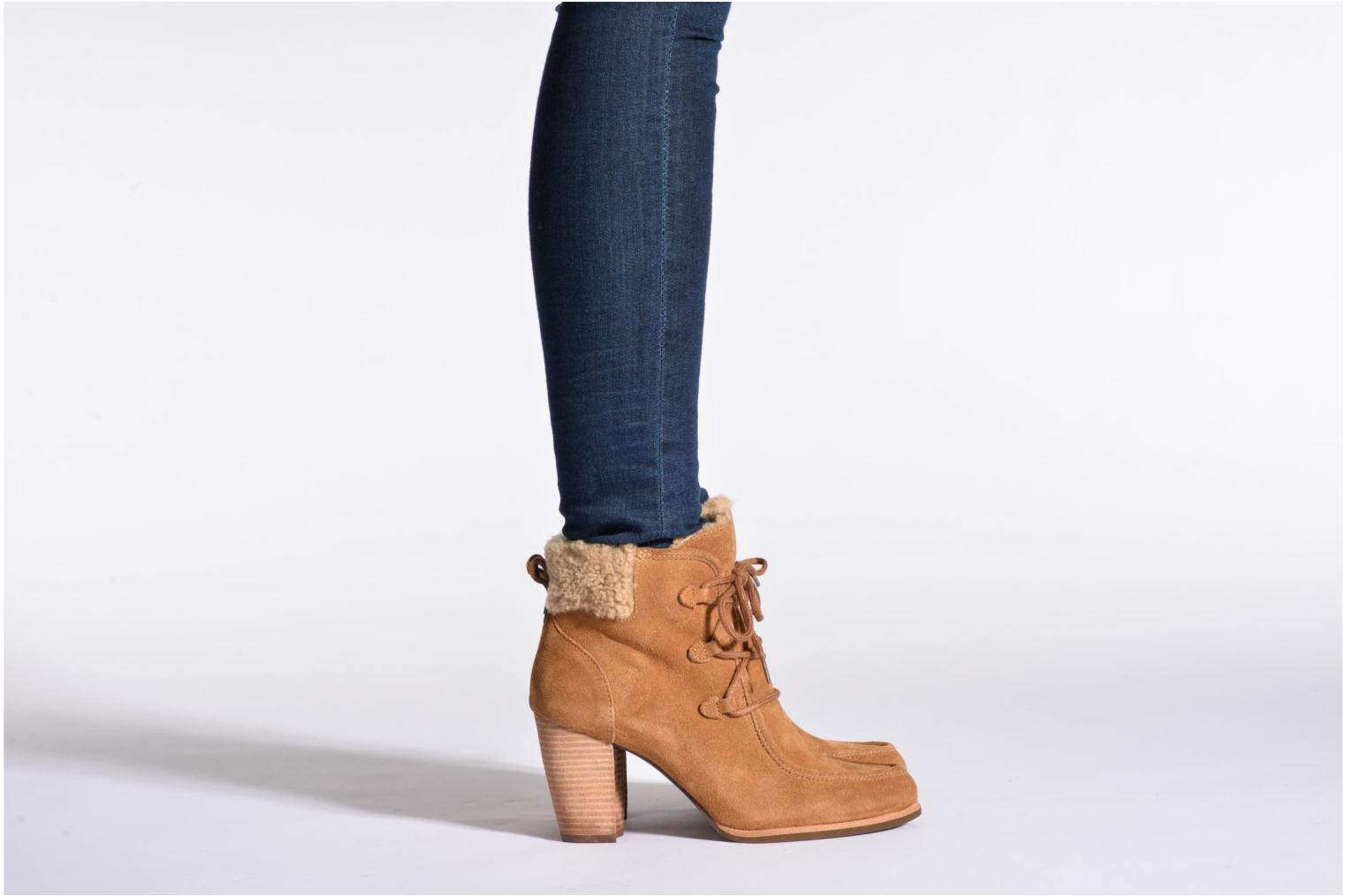 Ankle boots UGG Analise Brown view from underneath / model view