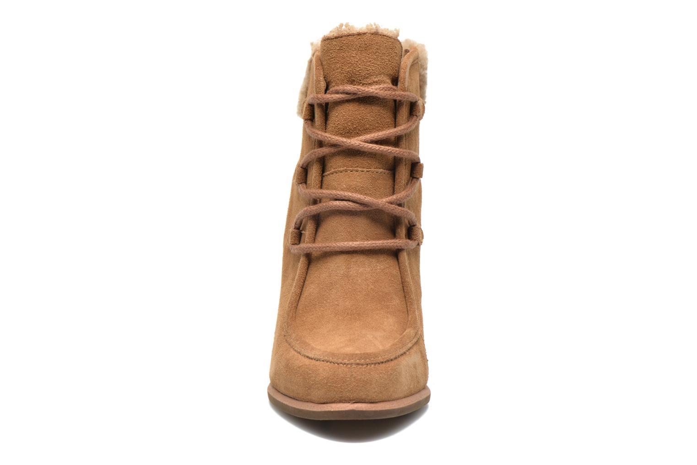 Bottines et boots UGG Analise Marron vue portées chaussures