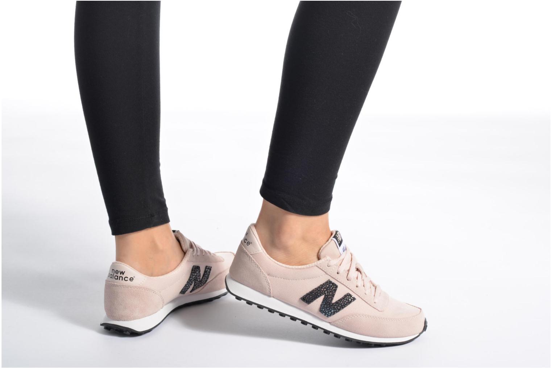 Sneaker New Balance WL410 grau ansicht von unten / tasche getragen