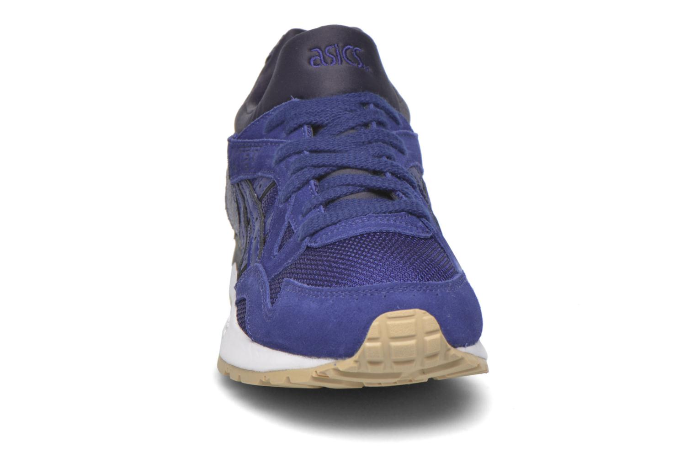 Baskets Asics Gel-Lyte V W Bleu vue portées chaussures