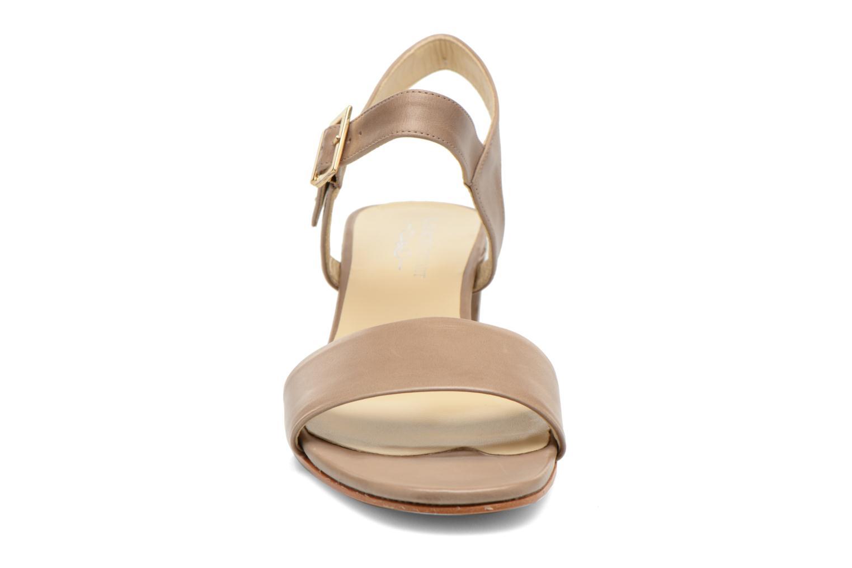 Sandales et nu-pieds Elizabeth Stuart Sister 304 Beige vue portées chaussures