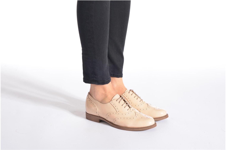 Chaussures à lacets Esprit Aida Lace Up Beige vue bas / vue portée sac