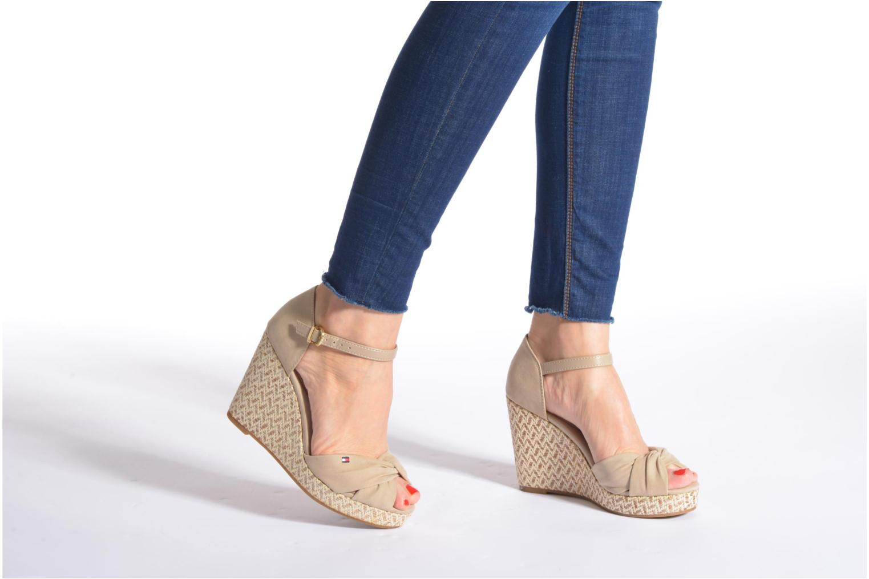 Sandales et nu-pieds Tommy Hilfiger Elena 3D Beige vue bas / vue portée sac