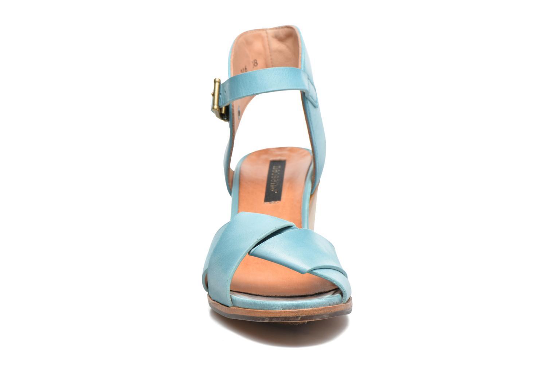 Sandales et nu-pieds Neosens Noah S216 Bleu vue portées chaussures