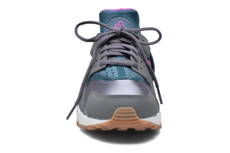 Sneakers Nike Wmns Air Huarache Run Grå bild av skorna på