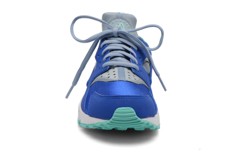 Baskets Nike Wmns Air Huarache Run Bleu vue portées chaussures
