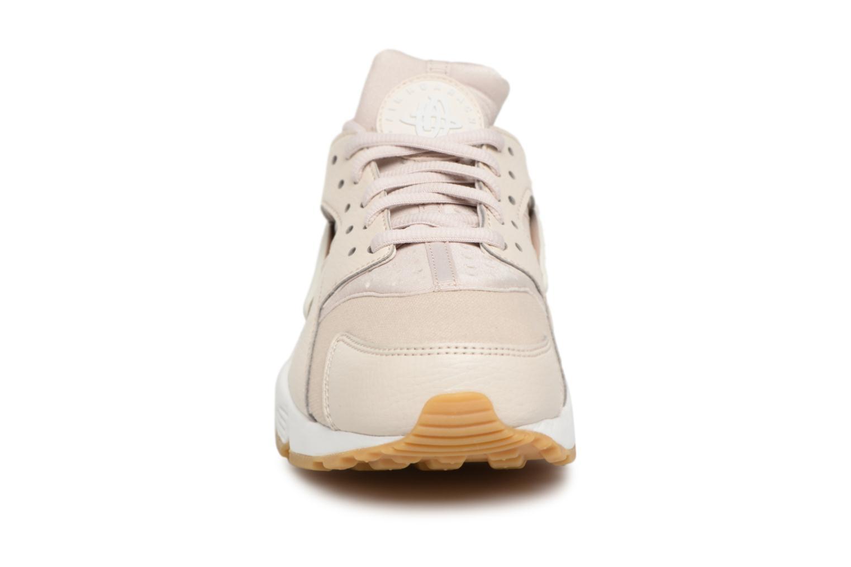 Sneakers Nike Wmns Air Huarache Run Rosa bild av skorna på