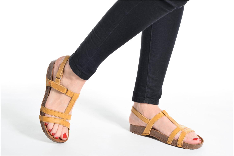 Sandales et nu-pieds Art I Breathe 946 Jaune vue bas / vue portée sac