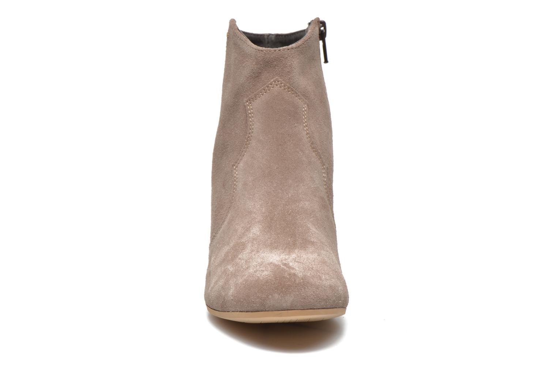 Bottines et boots Georgia Rose Celacou Beige vue portées chaussures