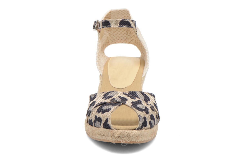 Sandales et nu-pieds Elizabeth Stuart Trento 667 Marron vue portées chaussures