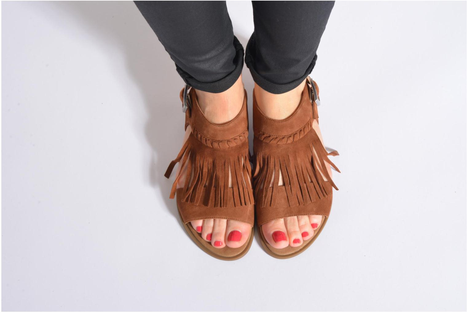 Sandals Unisa Amolo Brown view from underneath / model view