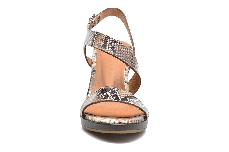 Sandali e scarpe aperte Georgia Rose Ecarme Beige modello indossato