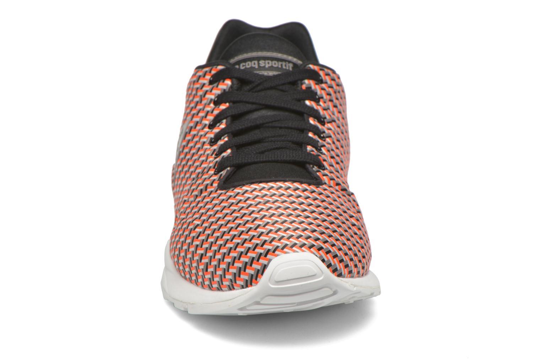 Baskets Le Coq Sportif LCS R950 Geo Jacquard Rouge vue portées chaussures