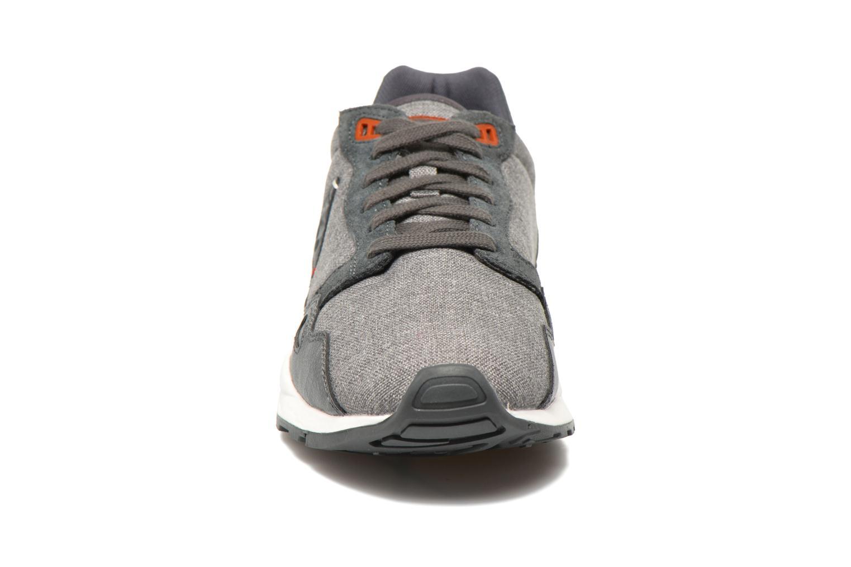 Baskets Le Coq Sportif LCS R900 Craft 2 Tones Gris vue portées chaussures