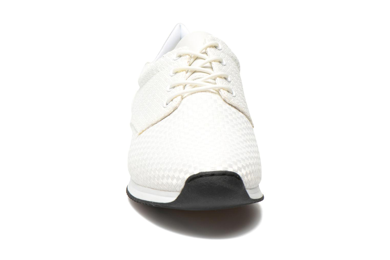 Sneakers Vagabond Shoemakers Kasai 4125-181 Bianco modello indossato