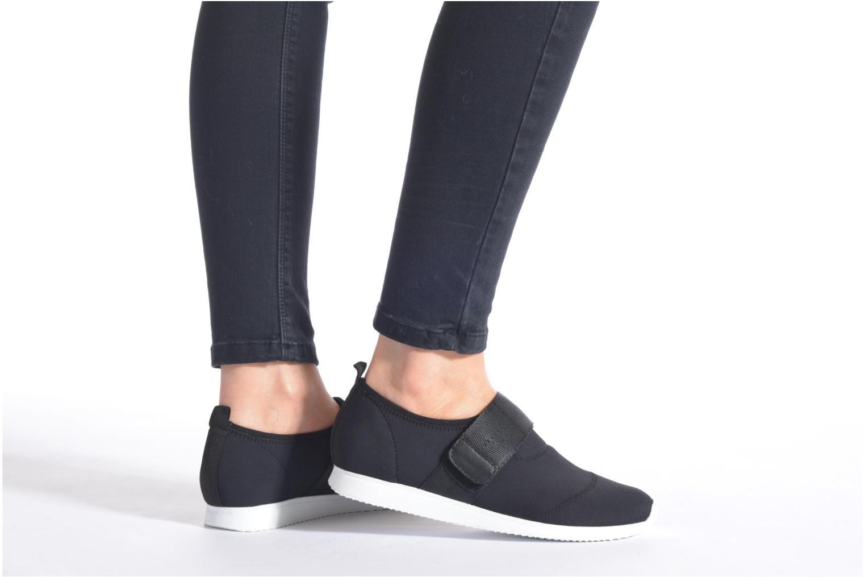 Sneaker Vagabond Shoemakers Kasai 4125-039 schwarz ansicht von unten / tasche getragen