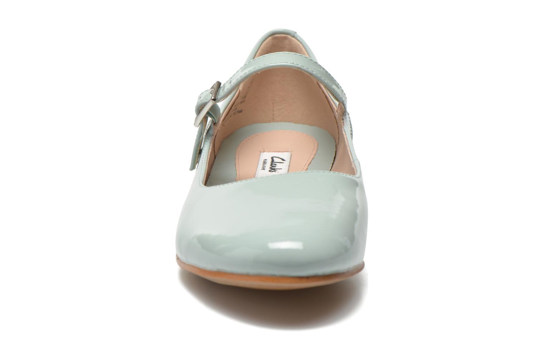 Ballerines Clarks Festival Glory Vert vue portées chaussures
