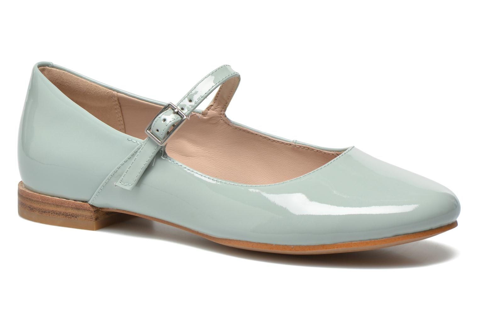Ballet pumps Clarks Festival Glory Green detailed view/ Pair view