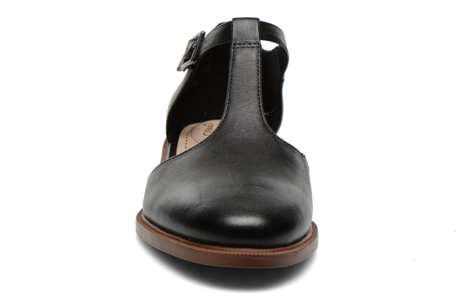Ballet pumps Clarks Taylor Palm Black model view