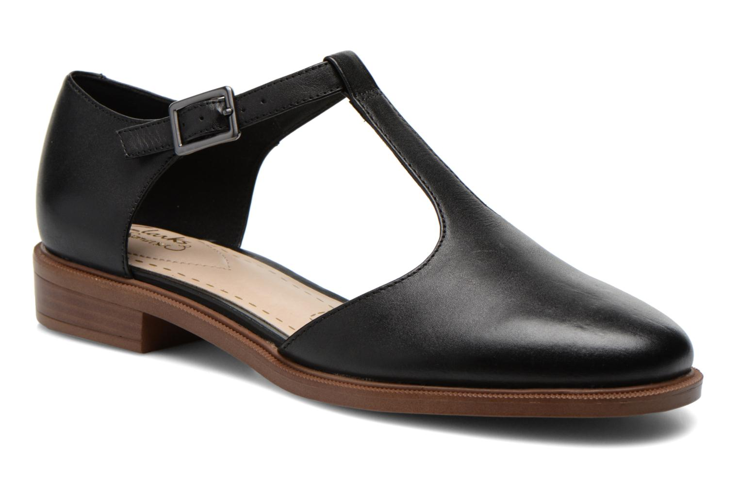 Ballet pumps Clarks Taylor Palm Black detailed view/ Pair view
