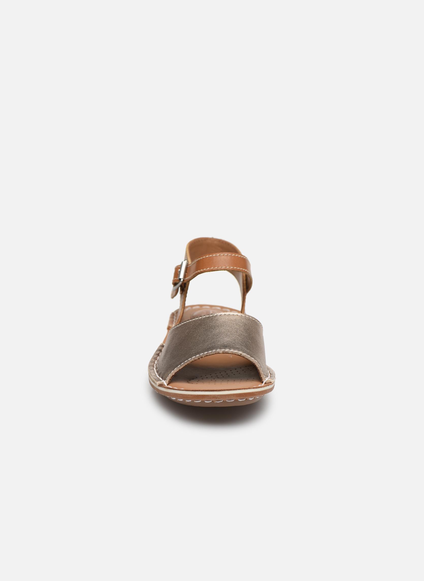 Sandales et nu-pieds Clarks Tustin Sinitta Or et bronze vue portées chaussures