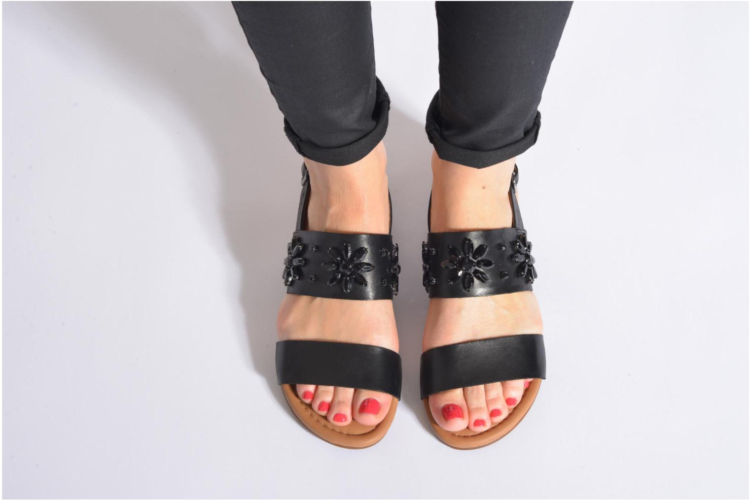 Sandals Clarks Viveca Melrose Black view from underneath / model view
