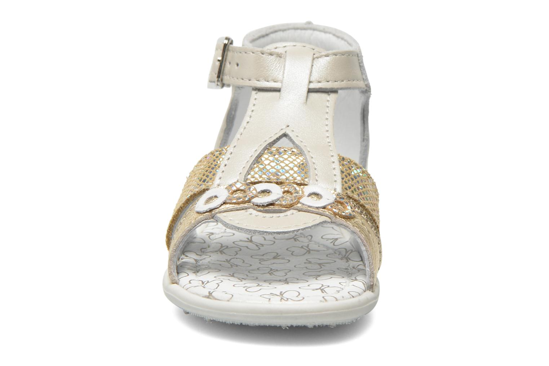 Sandalen Bopy Berta beige schuhe getragen