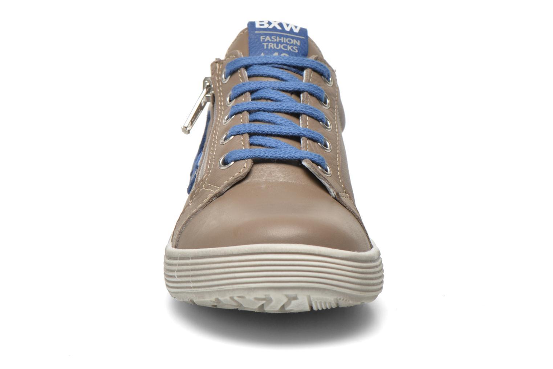 Sneaker Bopy Voclass grau schuhe getragen