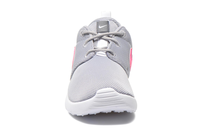 Sneaker Nike Roshe One (Ps) grau schuhe getragen