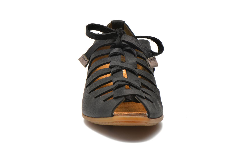 Zapatos con cordones El Naturalista Stella ND52 Negro vista del modelo
