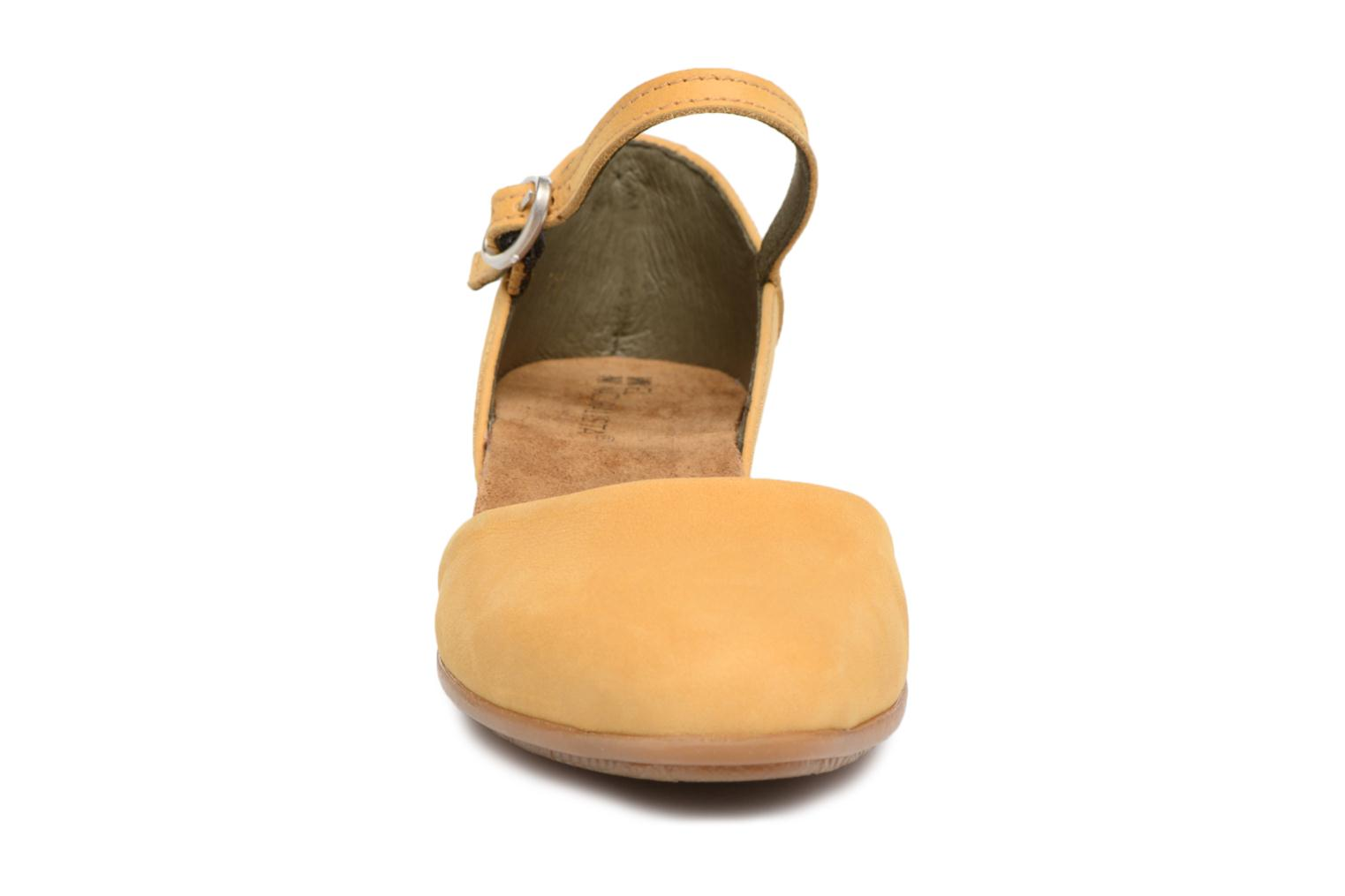 Ballet pumps El Naturalista Stella ND54 Yellow model view