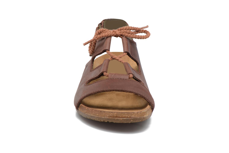 Sandaler El Naturalista Wakataua ND73 Brun bild av skorna på