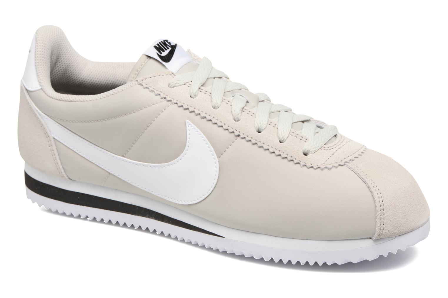 Trainers Nike Classic Cortez Nylon Beige detailed view/ Pair view