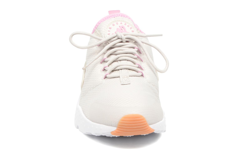 Baskets Nike W Air Huarache Run Ultra Blanc vue portées chaussures