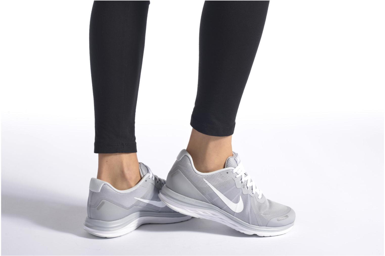 Chaussures de sport Nike Wmns Nike Dual Fusion X 2 Gris vue bas / vue portée sac