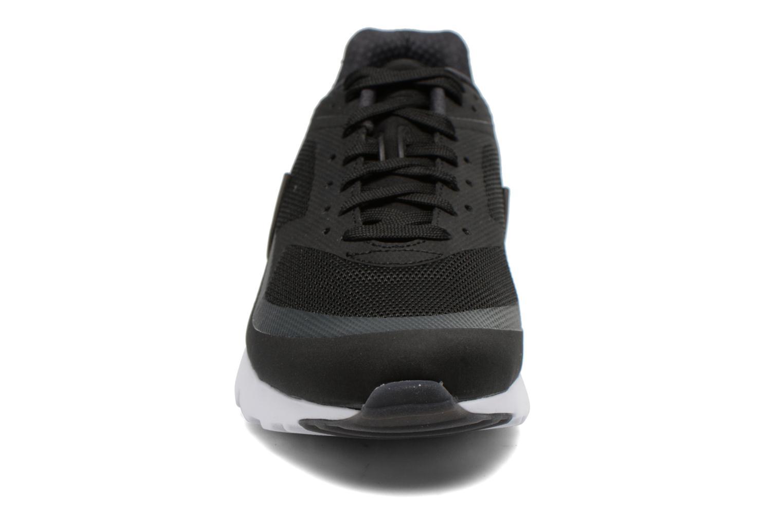 Baskets Nike Nike Air Max Bw Ultra Noir vue portées chaussures