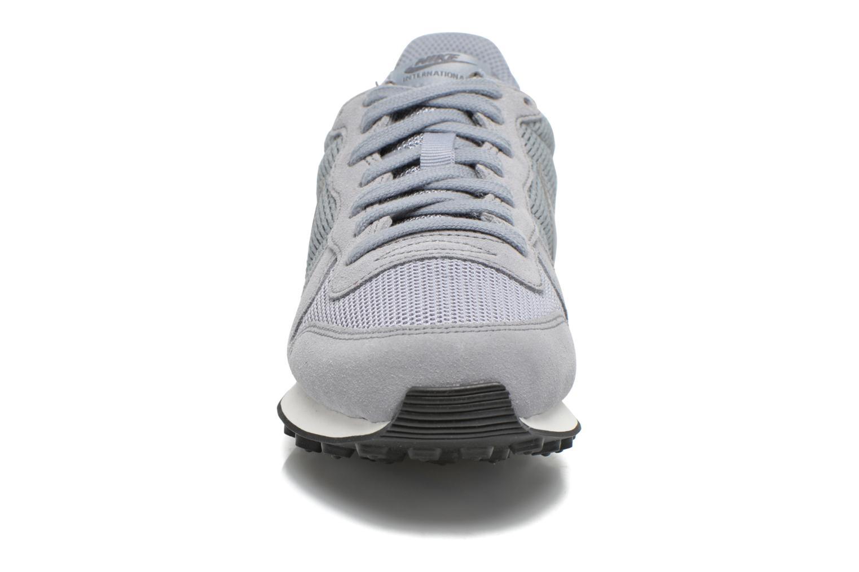 Sneakers Nike Wmns Internationalist Grijs model