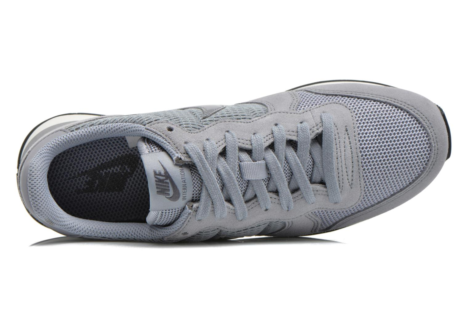 Trainers Nike Wmns Internationalist Grey view from the left